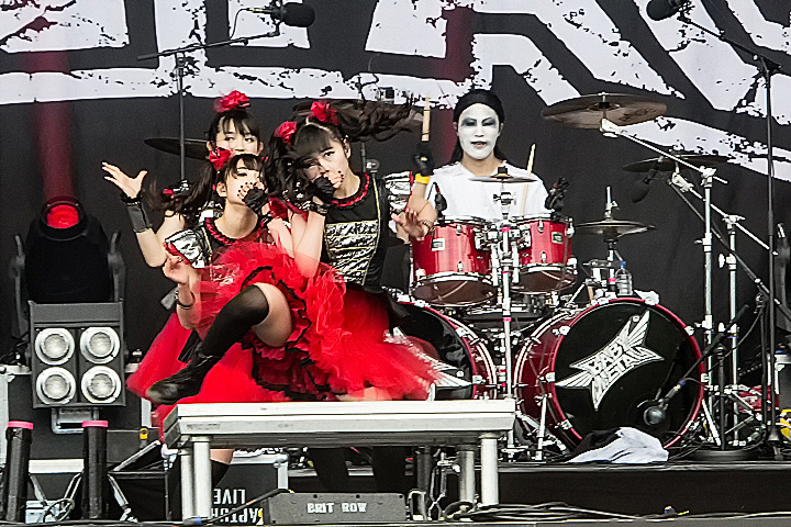http://www.frontview-magazine.be/sites/default/files/81278-babymetal-1062919.jpg