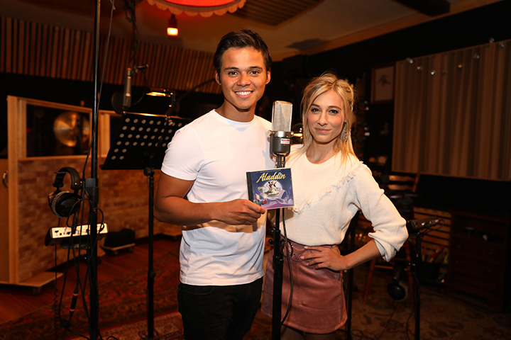 Cast Musical Aladdin neemt Full cd op  - 1