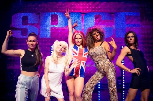 f2a1edc9b21 De Spice Girls zijn terug van weggeweest en gaan op tournee! Eerste stop?  België natuurlijk. Op donderdag 22 februari kruipen àlle vijf Tegen de  Sterren ...