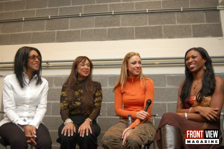 Natalia meets the pointer sisters - 1